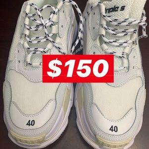 Sneakers sz 10 Brand